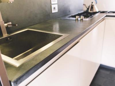 Top Cucina In Ardesia : Lavorazione pietra naturale tufo e marmo u2013 ronconi » scala in ardesia